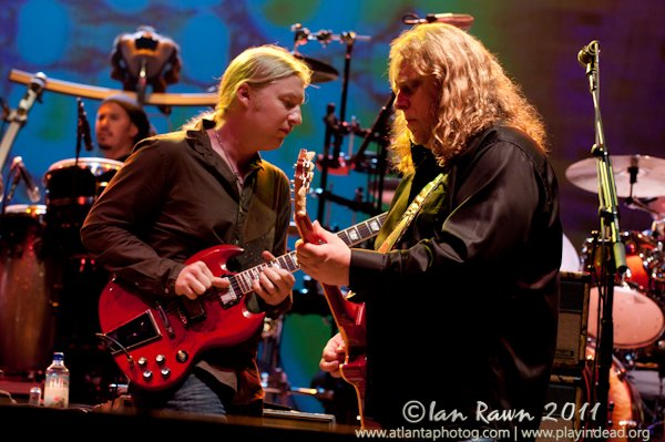 Derek and Warren Wanee 2011 Concert Photo Ian Rawn   Mountain Weekly News