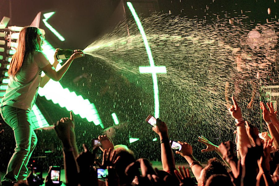 Steve Aoki Concert Photo Brandon Marshall - Mountain Weekly News