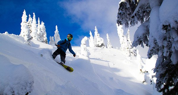 Mike Hardaker testing the Voile Artisan Splitboard Review in Nelson, BC Photo Laura Patten | Mountain Weekly News