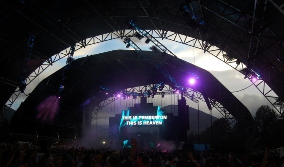 Above and Beyond playing a surreal set while clearly digging the venue. Photo: Jonathan Penfield | Mountain Weekly News