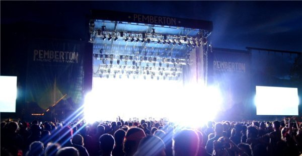 Nine Inch Nails wowing and blinding the crowd Photo: Jonathan Penfield | Mountain Weekly News