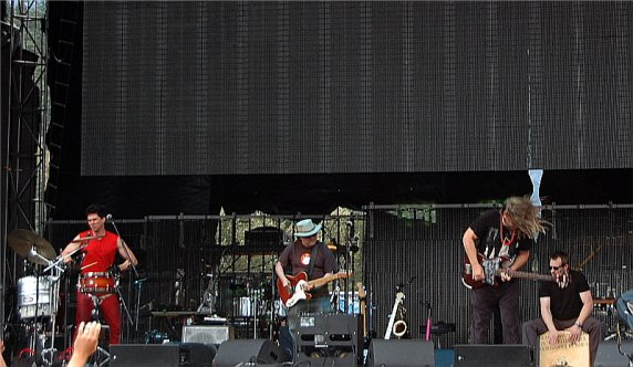 Brian Ritchie of Violent Femmes letting it rip on the right and Gordon Gano at center. Photo: Jonathan Penfield | Mountain Weekly News