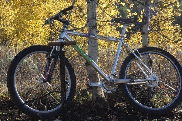 SKS Airmenius Professional Bike Pump Product Testing Photo: Mike Hardaker | Mountain Weekly News