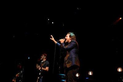 Pearl Jam Photos by Josh Lowe