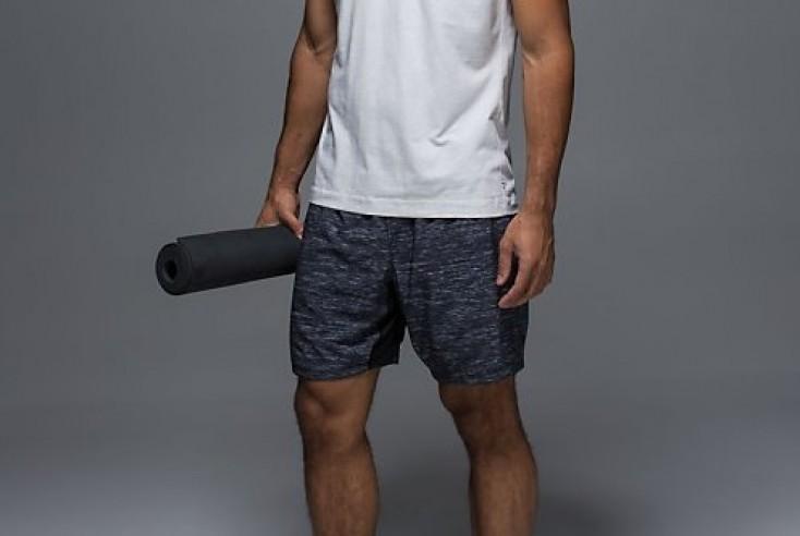 lululemon on the mat shorts aka uber comfort mountain