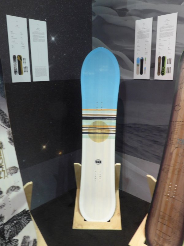 2016 YES 420 Snowboard