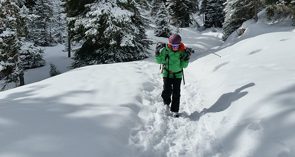 Melissa Mattson hiking in the Smith Valence Helmet in the Tetons Photo | Mountain Weekly News