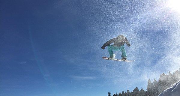 Josh Thompson rocking the VonZipper Feenom Goggle Photo | Mountain Weekly News