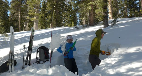 Field portion of a Jackson Hole Mountain Guides AIARE Course Photo Mike Hardaker | Mountain Weekly News