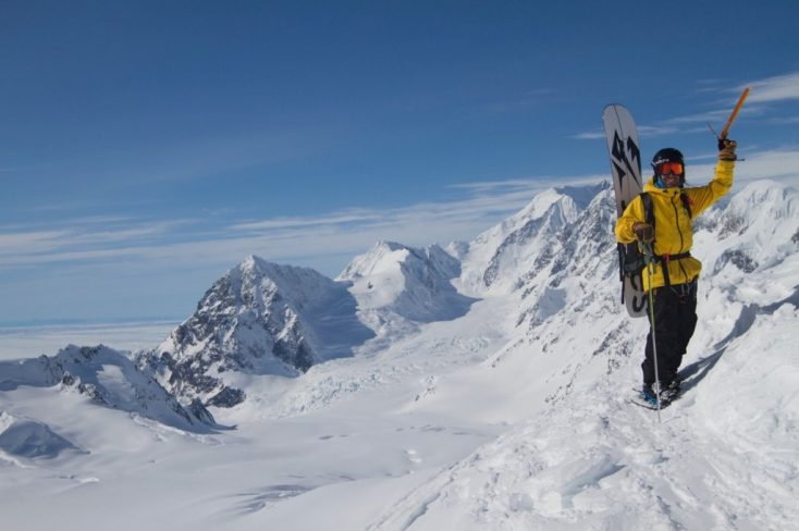 14 Must Have Items for Comfort and Safety in Your Splitboard Kit