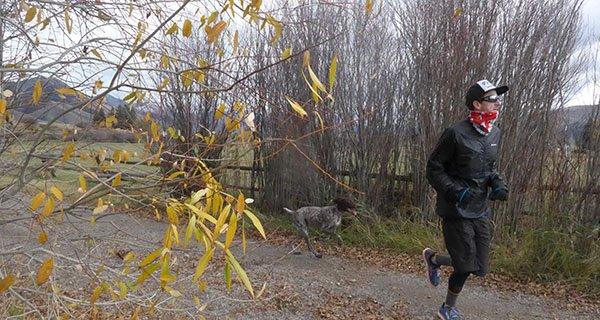 Mike Hardaker enjoying crisp fall run in the Montane Fireball Verso Photo | Mountain Weekly News