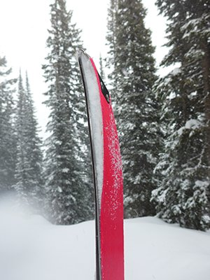 Colltex Extreme Skins working een in deep snow, Photo Mike Hardaker | Mountain Weekly News