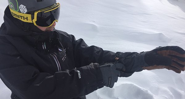 Eric rocking the Titan Gloves from Dakine, Photo Mountain Weekly News