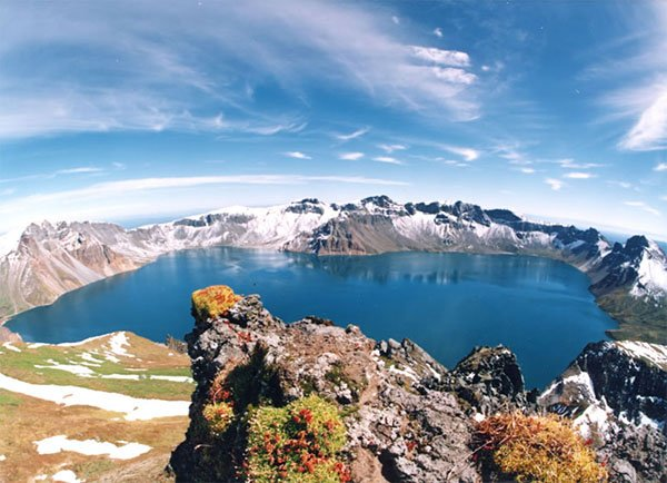 Heaven Lake Border of China and North Korea Baitou_Mountain_Tianchi