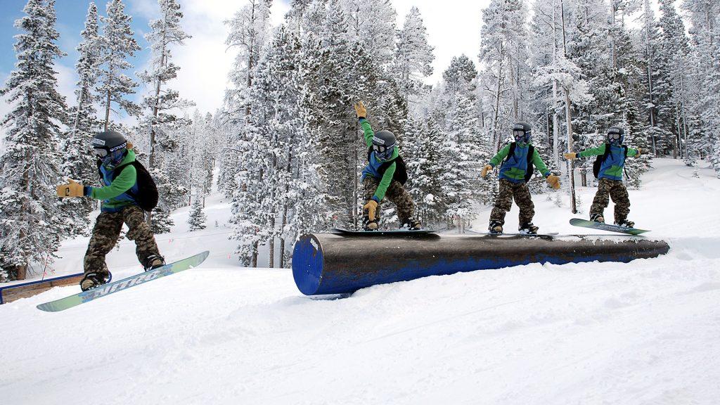 Snowboard Grind