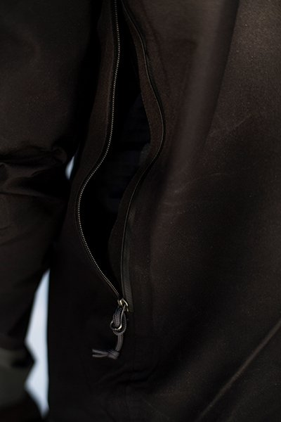 Now that is a pit zip, Armor Jacket from Brooks-Range is dialed. Photo Pailsey Wildman | Mountain Weekly News