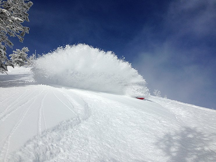 Mike Hardaker pitted on the Korua Apolo Snowbaord Photo Jake Stinson | Mountain Weekly News
