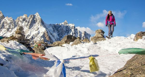 Pasang trecking in Everest photo nationalgeographic.com