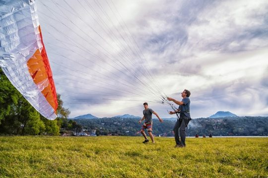 Sky Crack – A Junk-Show Introduction to Paragliding