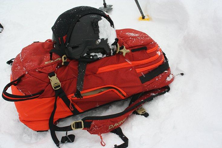 Dakine Poacher RAS 36L Helmet Holder