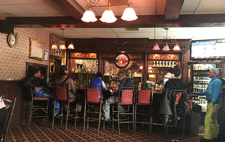 Red Fox Saloon Bar and Food Togwotee Moutnain Lodge
