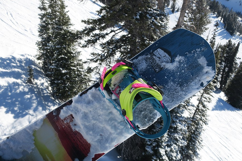 Never Summer Maverix Snowboard 2018 Tail