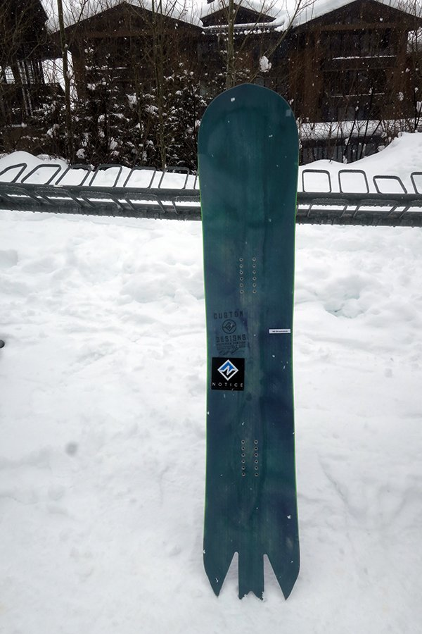 2020 Notice Bat Tail Snowboard