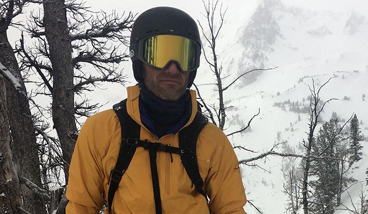 Snowboarder wearing a Helmet