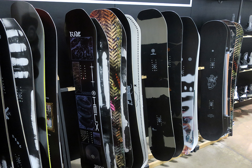 2021 Black Snowboards