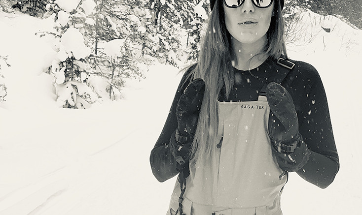 pretty Women in ski bibs