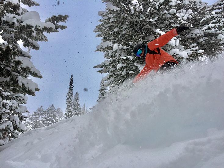 Women Snowboard Powder Turn