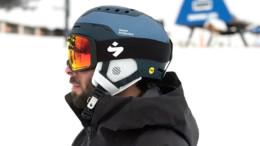 Ski helmet with MIPS