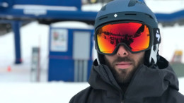 Snowboarder wearing Goggles