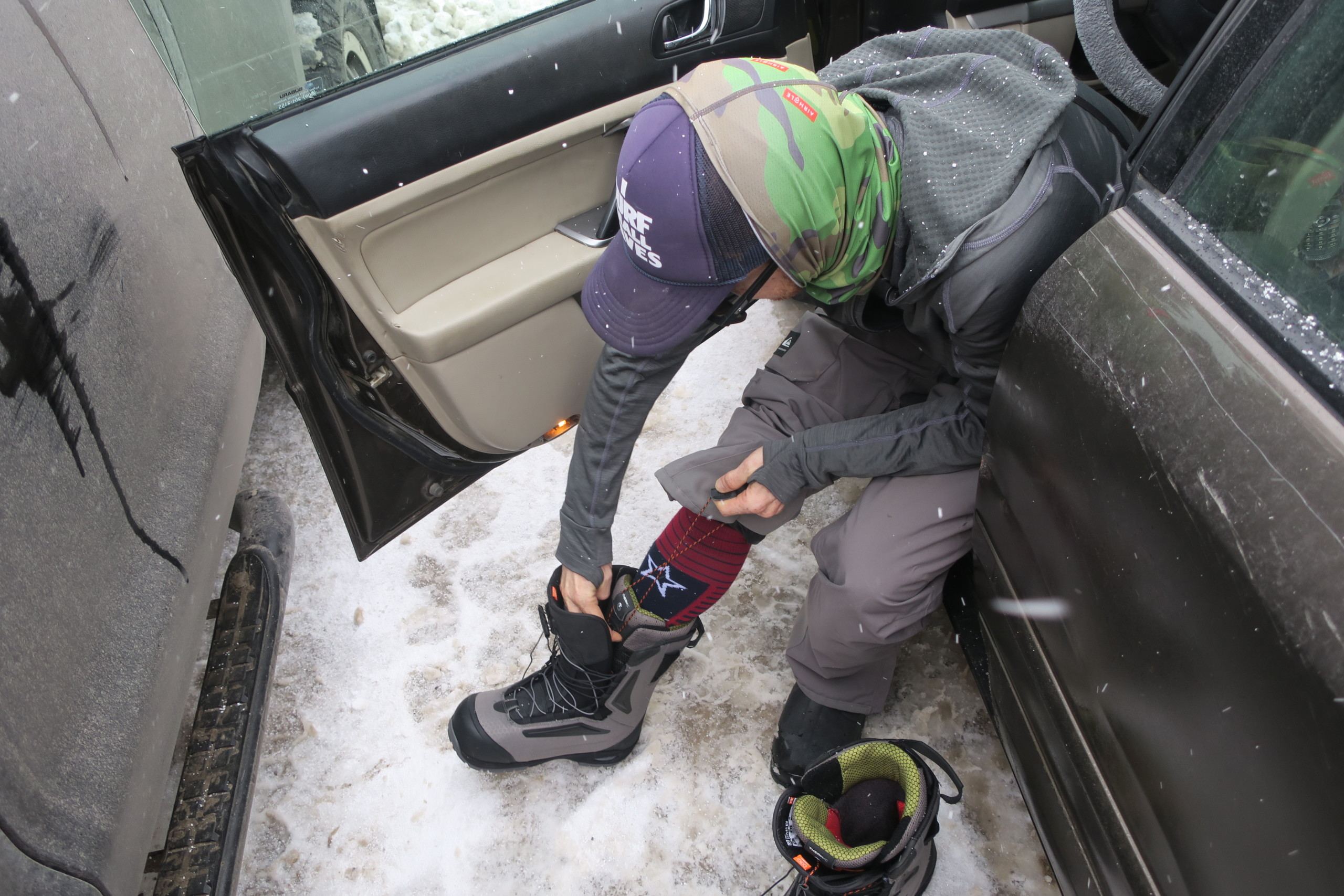 Lacing Snowboard Boots Up