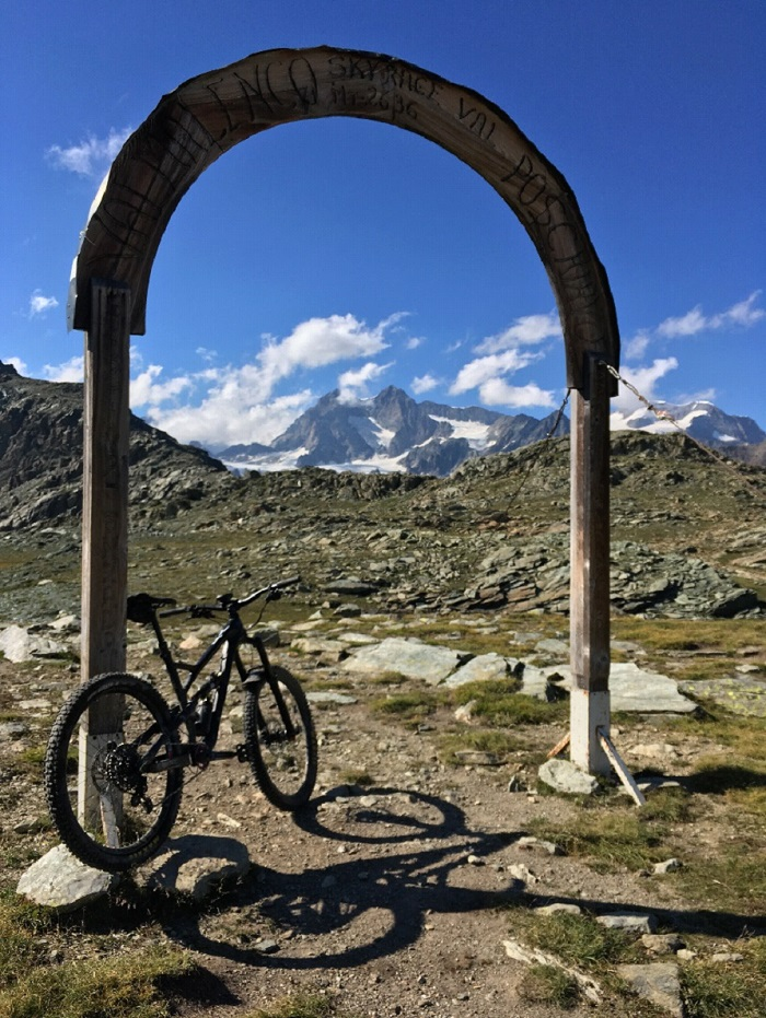 Mountain Biking High Alpine